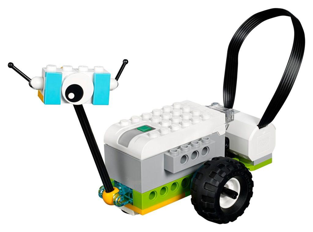 робот из конструктора WeDo2